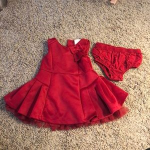 First Impressions💕 Beautiful Christmas dress
